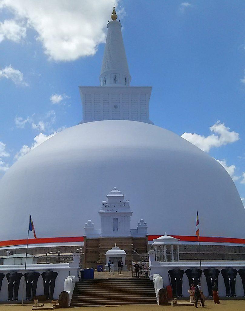 ルワンウェリ・サーヤ仏塔