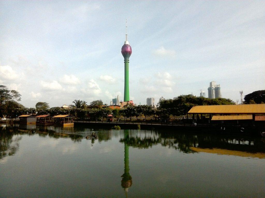 電波塔のロータスタワー